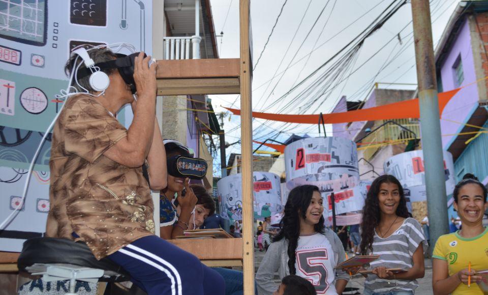 La Cooperativa Ejército Comunicacional de Liberación, con autogestión y economía solidaria, hace de un evento una forma de trabajo liberador.