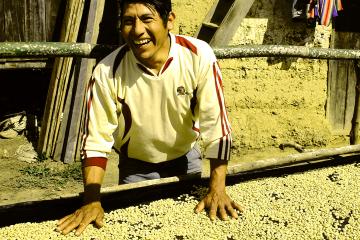 Cecovasa, con autogestión y economía solidaria, hace del cultivo una forma de trabajo liberador.