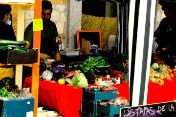 El Mercado Social de Madrid, con autogestión y economía solidaria, hace del cultivo una forma de trabajo liberador.